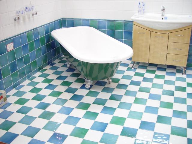 Typisch Für Den Retro Stil: Die Badewanne Mit Standfüßen!