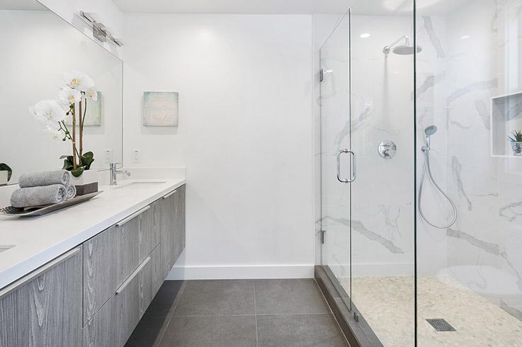 Mit der richtigen Dusche wird die tägliche Körperhygiene ein Erlebnis für alle Sinne. Welcher Duschtyp sind Sie?